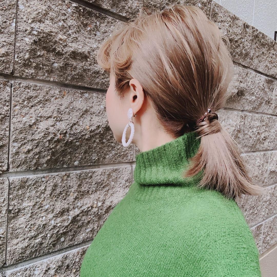 浦川 由起江さんのヘアスタイルの写真。テーマは『ヘアアレンジ、ローポニー、アッシュグレージュ、外国人風カラー、ケアブリーチ、プライベートサロン、nanon』