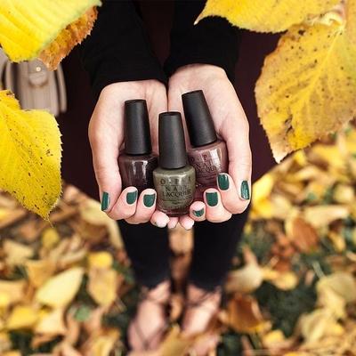 秋ネイルはシンプルを定番に!トレンドの秋カラーで単色・配色塗りを楽しもう