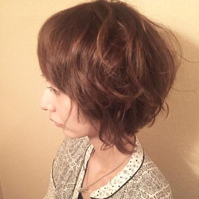マッシュのベースにボリュームを加えて外ハネだけどまとまるゆるふわショートボブ #ショートヘア   #ボブ #ショートボブ #tredina #福岡市南区 #皿山 にある#美容室 #トリコハート です!#内装 は#可愛い 感じに全て#DIY です!#海沿い っぽい #雰囲気 の#サロン #おしゃれ #アンティーク #カワイイ  #髪型  #子連れ 皿山4丁目バス停から徒歩2分!!駐車場2台完備 小さなお子様連れ可 ベビーカー 可