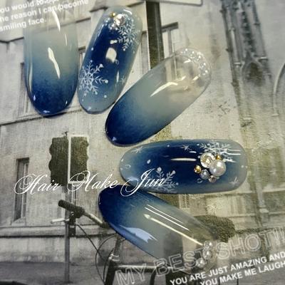 #nail2016w #ジェルネイル #雪の結晶 #グラデーションネイル  #冬ネイル