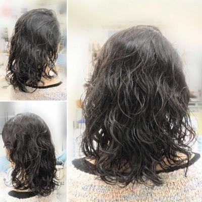 大井町の美容院・美容室・ヘアサロン! ヘアメイクナフィーズです  『鎖骨レングス!輝髪パーマボリュームスタイル』  いつもは毛先パーマですが今回は分け目の部分は根元からボリュームアップ。輝髪パーマと低分子コラーゲンでツヤツヤに! 仕上げは、カール感を見てもらうためにセラミドトリートメントでウェット感仕上げ。 毛先は緩めに!  『丁寧な接客、施術を心がけています!』 ・*:..。*゚¨゚゚・*:..。*゚¨゚゚・*:..。*゚¨゚・*:..。*゚¨゚゚・*:..。*゚¨゚゚・#輝髪 #輝髪パーマ #コスメパーマ #サプリパーマ #低分子コラーゲン #パーマ #カット #パーマカット #パーマスタイル #大井町の美容院美容室ヘアメイクナフィーズ #ナフィーズ #HAIRMAKEnafees
