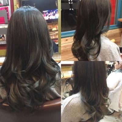毛先ブリーチして、イルミナとTHROWを使ってグラデーションカラー。 毛先はグレーっぽく仕上げました!  #イルミナカラー #THROW #グレーカラー #グラデーションカラー #毛先ブリーチ #アッシュ