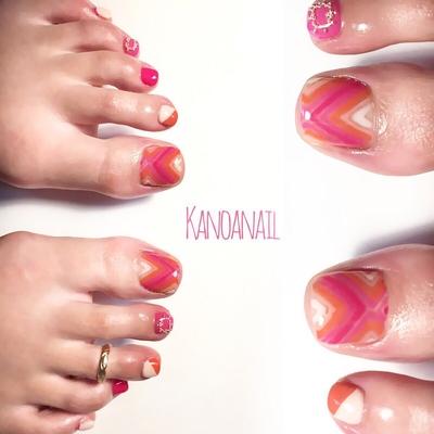 ビビットカラー * * #nail #nails #nailart #naildesign  #instanails #handpainted  #footnail #2017SS #vividcolor  #pink #fashion  #ABconcierge #nailsalon #kanoanail #naildesigner #tocco #ネイル #ネイルアート #ネイルデザイン #フットネイル #ハンドペイント #春夏ネイル #ビビットカラー #トレンドカラー #グラデーション #ファッション  #ネイルサロン #西麻布ネイル  #プライベートサロン #カノアネイル