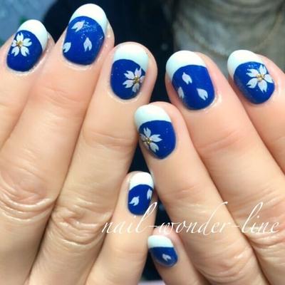 #春ネイル #フラワーネイル #桜ネイル #夜桜 #フレンチネイル #ブルー