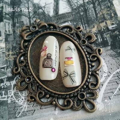 #香水瓶 #香水瓶アート #ワンカラーネイル #ワンカラー