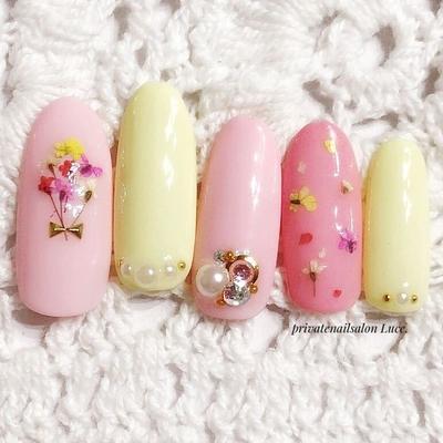 #sample#design#春#spring #nail#nailart#押し花#flower #simple#大人可愛い#パステル #花束#kawaii#Nailbook#tredina #nailist#nailistagram#奈良 #自宅サロン#お家ネイル#Luce.