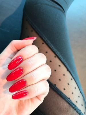 久しぶりに真っ赤なネイルにしました️️ . #nail#naildesign#nailart#nailstagram#simple#simplenail#red#rednails#self#selfnail#salon#nailsalon#japan#tokyo#ginza#SKYNAIL#SORA . #ネイル#ネイルデザイン#単色#シンプル#赤