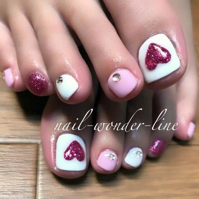 #フットネイル #ハートネイル #ハート #3Dアート #ピンク #ホワイト #バレンタインネイル