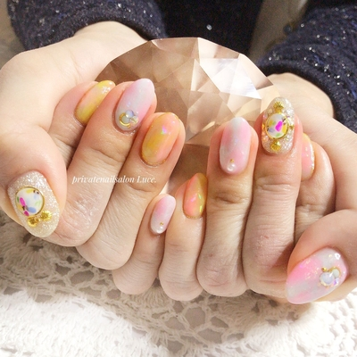 . #お客様ネイル#nail#nailart#gel #タイダイ#パステル#オーロラ #ホイルアート#春#spring#kawaii #ブローチネイル#flower#貝 #ribbon#Nailbook#tredina #奈良#自宅サロン#お家ネイル#Luce.