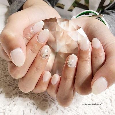 . #お客様ネイル#nail#nailart#gel #simple#大人ネイル#ビジュー #ワンカラー#ラメ#nailstagram #Nailbook#tredina#nailist#奈良 #お家ネイル#自宅サロン#Luce.