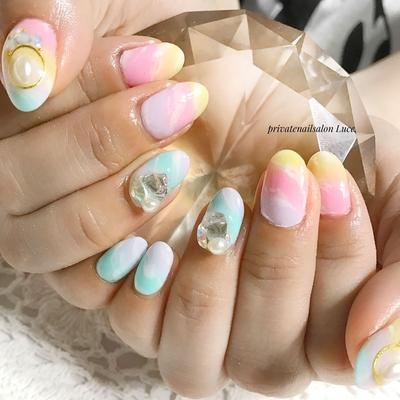 . #お客様ネイル#nail#nailart#gel #大人可愛い#kawaii#春デザイン #spring#pastel#タイダイ#天然石 #ブローチネイル#ビジューネイル #nailstagram#Nailbook#tredina #奈良#自宅サロン#お家ネイル#Luce.