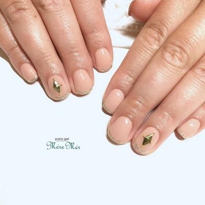 #ネイル #トレンド #nails #Japanesenailart #スタッズ#ラメフレンチ