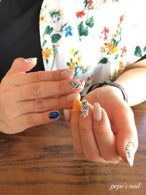 #pepesnail #nail #nailart #nailstagram #gelnail #nails #mynail #mynails #newnail #paragel #ネイル #ネイルアート #手描きアート#ボタニカルネイル #ボタニカル #夏デザイン