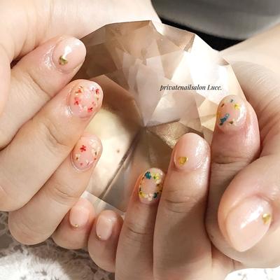 . #nail#nailart#gel#お友達ネイル #simple#office#ショートネイル #押し花#花冠#flower#nailistagram #Nailbook#tredina#nailist#奈良 #自宅サロン#お家ネイル#Luce.