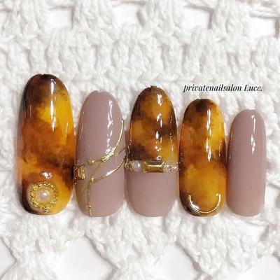 . #nail#nailart#art#🎨#sample #design#秋#autumn#kawaii #大人可愛い#大人ネイル#💅 #べっ甲#nailistagram#nailist #Nailbook#tredina#奈良#🏠 #自宅サロン#お家ネイル#Luce.