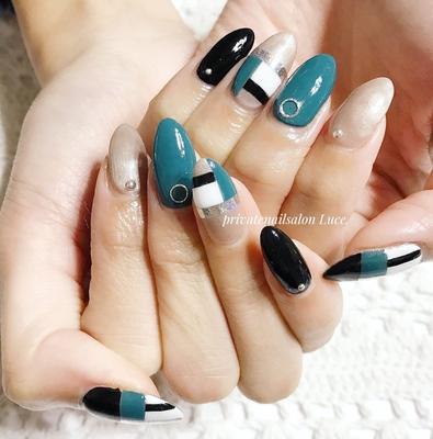 . #お客様ネイル#nail#nailart#gel #foot#footnail#秋冬#デザイン #大人ネイル#ブロック#green #Nailbook#tredina#nailist#奈良 #自宅サロン#お家ネイル#Luce.
