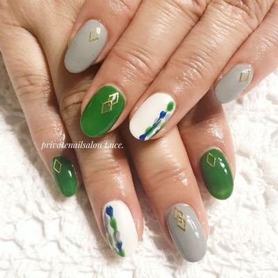 . #お客様ネイル#nail#nailart#gel #foot#footnail#秋冬#デザイン #大人ネイル#ピーコック#green #gray#ダイヤ#nailistagram#💅 #Nailbook#tredina#nailist#奈良 #自宅サロン#お家ネイル#Luce.