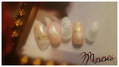 すりガラスのような結晶ネイル✨🎄✨  #クリスマスネイル #新宿 #西新宿 #パラジェル #新宿ネイルサロン #ジェルネイル#クリスマス #雪の結晶 #結晶ネイル #クリスマスツリー
