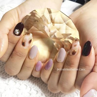 . #お客様ネイル#nail#nailart#💅 #simple#大人ネイル#大人可愛い #べっ甲#金箔#purple#burgundy #Nailbook#tredina#nailist#奈良 #自宅サロン#お家ネイル#Luce.