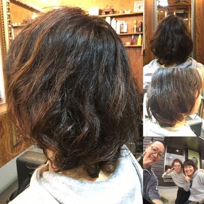 くせ毛のお客さんにもクリープパーマはオススメですよ〜٩( ᐛ )وパーマで髪の方向づけができるので毎日のスタイリングが楽楽になりますよ〜٩( ᐛ )و #大人ボブ #クリープパーマ #φ型ケラチン #チョンマゲ美容師 #毎日楽楽