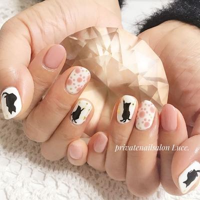 . #お客様ネイル#nail#nailart#💅 #猫#🐱#シルエット#大人可愛い #足跡#🐾#肉球#遊び心#nailist #Nailbook#tredina#nailist#奈良 #自宅サロン#お家ネイル#Luce.