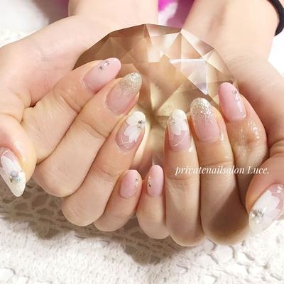 . #お友達ネイル#nail#nailart#💅 #大人ネイル#大人可愛い#flower #pink#ラメ#グラデーション #simple#Nailbook#tredina #nailist#nailistagram#奈良 #自宅サロン#お家ネイル#Luce.