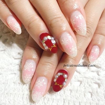 . #お客様ネイル#nail#nailart#💅 #大人ネイル#大人可愛い#kawaii #pink#チーク#チークネイル #雪の結晶#クリスマス#リース #simple#Nailbook#tredina #nailist#nailistagram#奈良 #自宅サロン#お家ネイル#Luce.