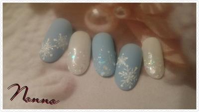 本物の雪の結晶みたい❄  #冬ネイル #新宿 #西新宿 #パラジェル #新宿ネイルサロン #ジェルネイル#雪の結晶 #雪の結晶ネイル #結晶ネイル