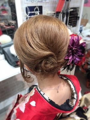 https://t.co/8qVpFR0Qxi メニューはこちら⬆  #広島 #8LAMIA8 #ヘアセット  #成人式 #ニコ八丁堀  #着物レンタル  今年の成人式ヘアです。 来年の成人式はニコ八丁堀店さんのご協力で 最新着物のレンタルや販売もありますので 来年度成人式のご予約はお早めにお願いします。^ ^    ラミアは24時迄営業の美容室です! お仕事帰りなどに便利になりました^_^  *20時以降のご予約は2日前迄の受付になります。      ※ #8LAMIA8#JHSS広島校#24時まで営業#カット#カラー#パーマ、#縮毛矯正#エクステ#ヘアセット#増毛エクステ#メイクレッスン #ネイル#着付け#衣類#装飾品販売!  トータルコーディネートサロン 8LAMIA8(ラミア)  https://t.co/T1bVdX4mCu