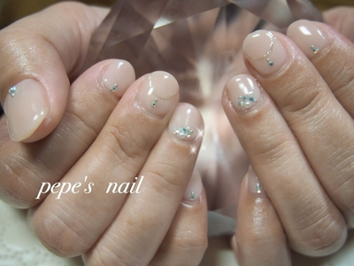 シアーなピンクでシンプルネイル💅 ・ ・ #pepesnail #nail #nailart #nailstagram #gelnail #nails  #paragel #pregel#handnail#ネイル #ネイルアート #ハンドネイル#冬ネイル #春ネイル#パール#シンプルネイル#スワロフスキー#自宅ネイル#大分市