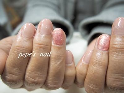 粒子の細かいラメもプラスで、ストーンなしでも十分なシンプルネイル💅 ・ ・ #pepesnail #nail #nailart #nailstagram #gelnail #nails  #paragel #pregel#handnail#ネイル #ネイルアート #ハンドネイル#冬ネイル #春ネイル#シンプルネイル#オフィスネイル#自宅ネイル#大分市