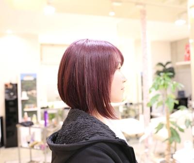 ピンクアッシュ(ピンク紫)✨ 小学生の時からご来店して頂いてるお客様です♡  光の加減でピンクや紫に見えます!  今回は黒髪から傷まないブリーチを2回してから、ピンク系カラーをさせて頂きました(^ ^) 気に入って頂けたら嬉しいです(๑˃̵ᴗ˂̵)   詳しくはHP(http://www.splash-j.com/)のブログをご覧ください。  #ピンクアッシュ #ピンク紫 #ピンクむらさき #紫 #ムラサキ #イルミナカラー #イルミナカラートワイライト #アデクシー #オルデーブ #前下がりボブ #ボブ #ナチュラルボブ #名古屋 #美容室 #美容院 #名古屋市北区 #ミディアム #春カラー #春日井 #春ヘア #ネイル #おしゃれ #撮影 #サロンモデル  #デザインカラー #傷まないブリーチ #ブリーチ #外国人風カラー