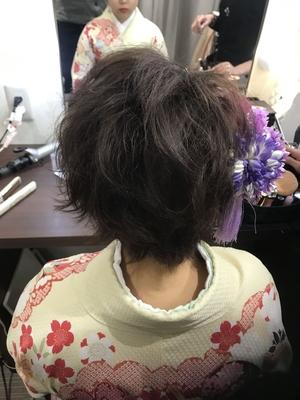 https://t.co/8qVpFR0Qxi メニューはこちら⬆  #広島 #8LAMIA8 #ラミア #卒業式 #ヘアメイク #ニコ八丁堀店  ショートヘアでも巻いてほぐして可愛いく仕上がりました!^ ^    ラミアは24時迄営業の美容室です! お仕事帰りなどに便利になりました^_^  *20時以降のご予約は2日前迄の受付になります。      ※ #8LAMIA8#JHSS広島校#24時まで営業#カット#カラー#パーマ、#縮毛矯正#エクステ#ヘアセット#増毛エクステ#メイクレッスン #ネイル#着付け#衣類#装飾品販売!  トータルコーディネートサロン 8LAMIA8(ラミア)  https://t.co/T1bVdX4mCu