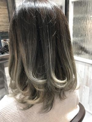 ホワイトシルバーパール  #美容室浜松 #浜松 #美容室 #美容院  #イルミナカラー  #アディクシー #ブルージュ #グレージュ #オリージュ #グラデーション #バレイヤージュ #ハイライト #外国人風カラー #デザインカラー   #エヌドット #ミルボン  #モロッカンオイル #カラーシャンプー  #グレーパール   #テールカラー #hairBlanco #ヘアーブランコ #hairblanco浜松 #ヘアーブランコ浜松