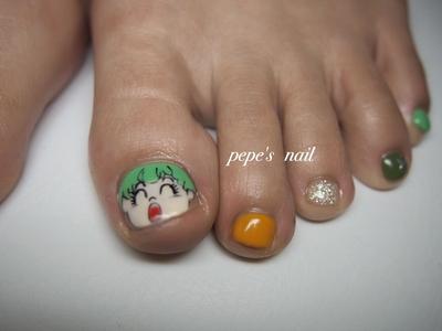 お客様の大好きなアラレちゃんが、フットに現れました。 左右で使うカラーも相談しながら💕アラレちゃん、ガッちゃんに合うステキな組み合わせになりました♡ ・ ※キャラクターネイルは事前にご相談ください。 別途追加料金がかかります。 ・ #pepesnail #nail #nailart #nailstagram #gelnail #nails  #paragel #pregel#vetro#handnail#ネイル #ネイルアート #ハンドネイル #フットネイル#キャラクターネイル #自宅ネイル#大分市