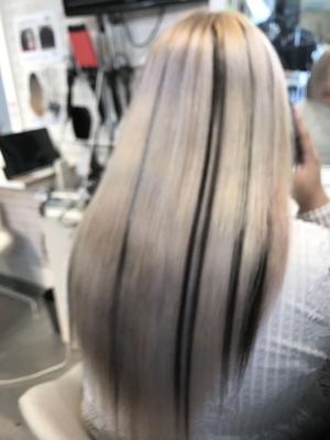 https://t.co/8qVpFR0Qxi メニューはこちら⬆  #広島 #8LAMIA8 #ラミア #ファイバーブレックス #ハイブリーチ #エクステ  ファイバーブレックスでホワイトブリーチ! ブリーチしても切れ毛が少なく傷みも最小限で こちらの色に仕上がりました!^ ^ エクステで黒メッシュを入れたらメリハリ抜群!    ラミアは24時迄営業の美容室です! お仕事帰りなどに便利になりました^_^  *20時以降のご予約は2日前迄の受付になります。      ※ #8LAMIA8#JHSS広島校#24時まで営業#カット#カラー#パーマ、#縮毛矯正#エクステ#ヘアセット#増毛エクステ#メイクレッスン #ネイル#着付け#衣類#装飾品販売!  トータルコーディネートサロン 8LAMIA8(ラミア)  https://t.co/T1bVdX4mCu