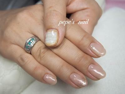 シンプルデザインの中に、好みのアートを足して♡ サンプルから選んでいただきました。 ・ #pepesnail #nail #nailart #nailstagram #gelnail #nails  #paragel #pregel#vetro#bellaforma #handnail#ネイル #ネイルアート #ハンドネイル #春ネイル#シンプルネイル#ラメグラデーション#ワンカラー#サンプルから#自宅ネイル#大分市