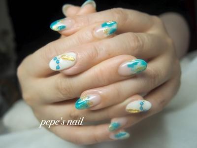 サンプルから💅 夏先取りのさわやかなネイルになりました♡ ・ #pepesnail #nail #nailart #nailstagram #gelnail #nails  #paragel #pregel#vetro#bellaforma #handnail#ネイル #ネイルアート #ハンドネイル #フェザー#ニュアンス#ニュアンスネイル#サンプルから#自宅ネイル#大分市