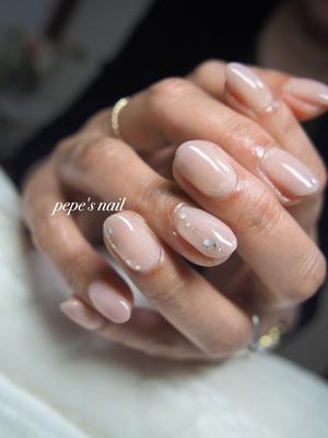前回と同じカラー、同じデザインでおかわりでした。 シンプルに上品にとってもお似合いでした♡ ・ #pepesnail #nail #nailart #nailstagram #gelnail #nails  #paragel #pregel#vetro#bellaforma #handnail#ネイル #ネイルアート #ハンドネイル #春ネイル#シンプルネイル#オフィスネイル#グラデーション#自宅ネイル#大分市