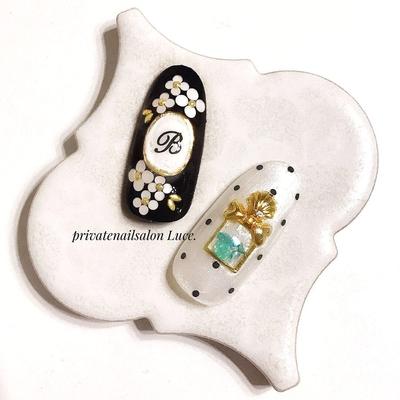 . #nail#nailartg#gel#kawaii#💅 #design#sample#ネイルチップ #イニシャルネイル#ブローチネイル #shell#ribbon#ドット#ホログラム #nailistagram#Nailbook#tredina#nailist #奈良#自宅サロン#お家ネイル#Luce.