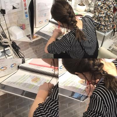#JHSS広島校  #ヘアメイク #ヘアセット #メイク #着付け #ネイル #スクール  学科の授業です! 毛髪理論や造形心理学など専門知識を学ぶことが大切ですね^_^  資料請求や体験レッスンはこちらから http://www.japan-hairset-school.com/s/schoolinfo?SchoolId=13