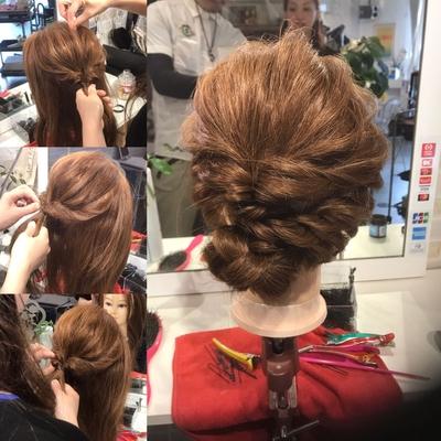 #JHSS広島校  #中国地方唯一 #ヘアメイク #ヘアセット #メイク #着付け #ネイル #スクール  編み込みアレンジの授業! フワフワに引き出すのが難しいです。^_^  資料請求や体験レッスンはこちらから http://www.japan-hairset-school.com/s/schoolinfo?SchoolId=13