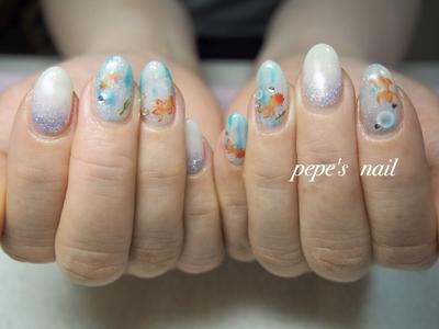 涼しげサンプルから♡ 金魚泳いでるよ〜🐠💕 ・ #pepesnail #nail #nailart #nailstagram #gelnail #nails  #paragel #pregel#vetro#bellaforma #handnail#ネイル #ネイルアート #夏ネイル#ハンドネイル #グラデーション#サンプルから#自宅ネイル#大分市