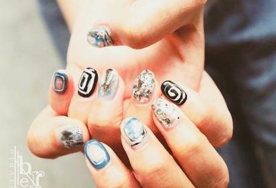 さいたま市与野エリアで活躍中! メンズネイリストNAOKIの手造りパーツ、ミラー、クリア、手描きアート、カスタマイズ/ニュアンス/ 個性派デザインがお好きな方、nail studio Liberへようこそ☻  #さいたま市与野ネイル #個性派ニュアンス #男性ネイリスト NAOKI #手描きアート #オリジナル #ネイルスタジオリーベル