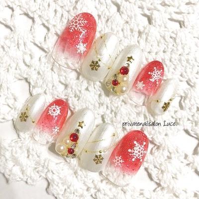 . #メルカリ にて#ネイルチップ オーダーを頂きました😌💗 . シーズンまでは、まだまだですが #Luce. の#クリスマスデザイン#🎄 もうオーダー頂けて嬉しいなぁ✨ お色味はかなり薄目で子供っぽくなく #大人の女性 にも楽しんで頂けそう👏🏻 . #nail#nailist#gel#gelnail#nailchip #大人ネイル#大人可愛い#クリスマス #冬#winter#グラデーション#雪の結晶 #クリスマスツリー#アイスブルー #オーダーネイル#ラクマ#メルカリ #ショッピーズ#販売中 Luce.で検索
