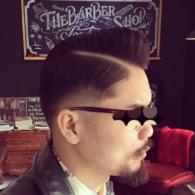 """Hard Part Pompadour × Skin Fade  Style    金沢市で「フェードカット 」「ポマード」「メンズカット」のことは金沢駅近く バーバーショップ """"スピークイージー,,へ  #大人紳士の通うバーバー http://barber-speakeasy.crayonsite.net  #金沢バーバー#スピークイージー#金沢駅周辺#理容室#床屋#メンズカット#フェードカット#スキンフェード#バーバースタイル#夜遅くまで営業#オシャレ#barber#barbershop#金沢バーバースタイル ##金沢市バーバーショップスピークイージー #金沢市スキンフェード#金沢市バーバーショップ"""