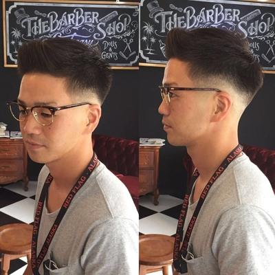 "Skin (0.0mm) Fade  Style    金沢市で「フェードカット 」「ポマード」「メンズカット」のことは金沢駅近く バーバーショップ ""スピークイージー,,へ  #大人紳士の通うバーバー http://barber-speakeasy.crayonsite.net  #金沢バーバー#スピークイージー#金沢駅周辺#理容室#床屋#メンズカット#フェードカット#スキンフェード#バーバースタイル#夜遅くまで営業#オシャレ#barber#barbershop#金沢バーバースタイル ##金沢市バーバーショップスピークイージー #金沢市バーバーショップ#金沢市スキンフェード"