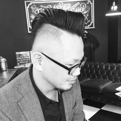 "Mohawk × Skin High Fade  Style  .  金沢市で「フェードカット 」「ポマード」「メンズカット」のことは金沢駅近く バーバーショップ ""スピークイージー,,へ  #大人紳士の通うバーバー http://barber-speakeasy.crayonsite.net #金沢バーバースタイル #金沢市バーバーショップスピークイージー #メンズカット#ビジネスマン  #金沢バーバー#スピークイージー#金沢駅周辺#理容室#床屋#メンズカット#フェードカット#スキンフェード#バーバースタイル#夜遅くまで営業#オシャレ#barber#barbershop#金沢バーバースタイル ##金沢市バーバーショップスピークイージー #金沢市スキンフェード#金沢市バーバーショップ"