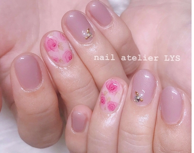 ご予約•お問い合わせはこちら↓ https://nailbook.jp/nail-salon/25076/ 12月ご予約受付中 ♡ 💐Instagram @nailatelier___lys https://instagram.com/nailatelier___lys?utm_source=ig_profile_share&igshid=1e72b7tx2rhyv