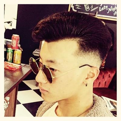 """#金沢市 で「#スキンフェードカット 」「ポマード」「メンズカット」のことは金沢駅近く バーバーショップ """"スピークイージー,,へ http://barber-speakeasy.crayonsite.net 当店コンセプト↓ https://ameblo.jp/barberspeakeasy/entry-12248938636.html  #金沢バーバー#金沢駅周辺#金沢市理容室#金沢市床屋#金沢市メンズカット#金沢市フェードカット#金沢市バーバースタイル#金沢市夜遅くまで営業#金沢市barber#金沢市barbershop#金沢バーバースタイル #金沢市バーバーショップスピークイージー #金沢市ポマード #金沢市バーバーショップ#金沢市スキンフェード#野々市スキンフェード#小松市スキンフェード#白山市スキンフェード"""